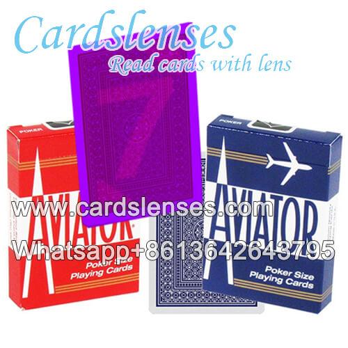 Aviator Spielkarten mit leuchtenden Markierungen
